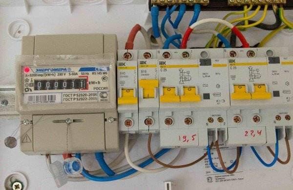 Установка электрического щитка в квартире 2e86deb4bf922